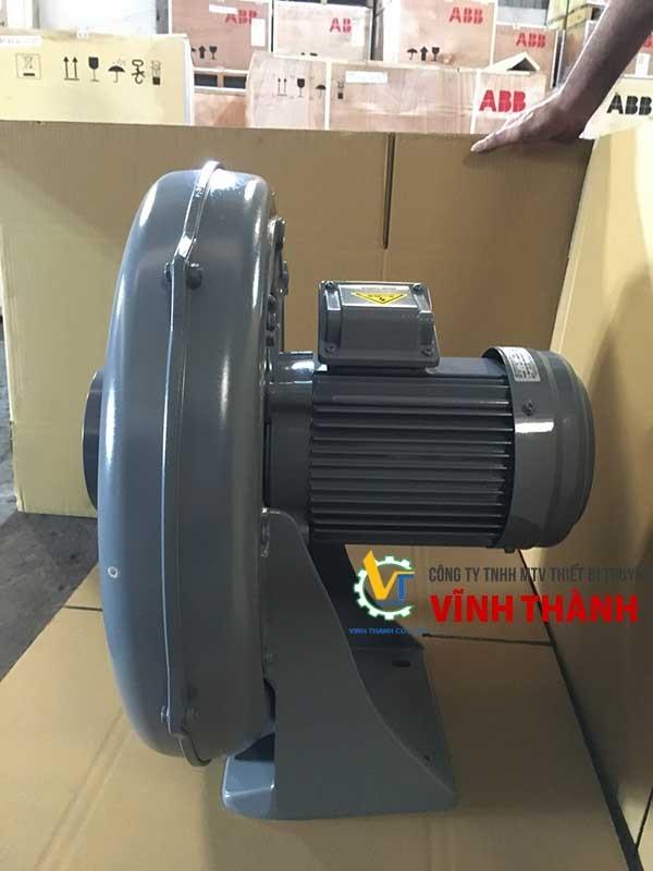 Vận hành thử máy thổi khí để đảm bảo sản phẩm hoạt động tốt